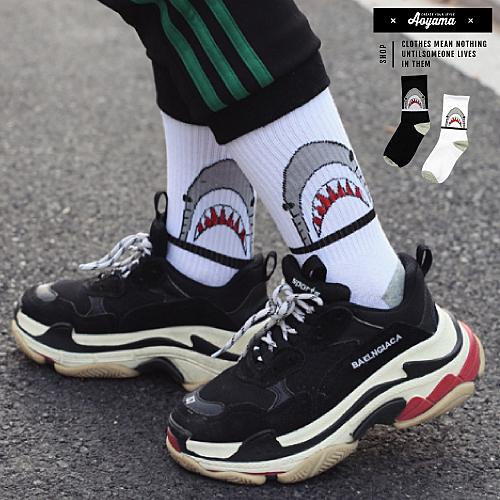 襪子  大白鯊 長襪 中筒襪 鯊魚 潮流 襪子 趣味 穿搭 搭配【KP823】