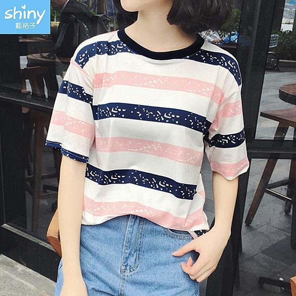 【V9604】shiny藍格子-春彩清新.配色條紋圓領寬鬆短袖上衣