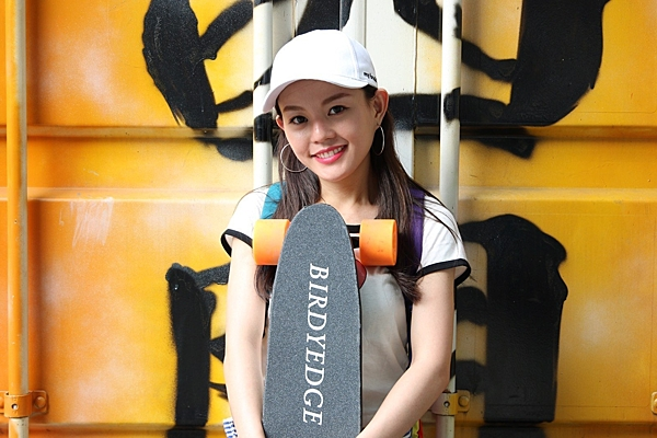 BIRDYEDGE SKATEBORAD  MINI 迷你 電動滑板 攜帶型 電