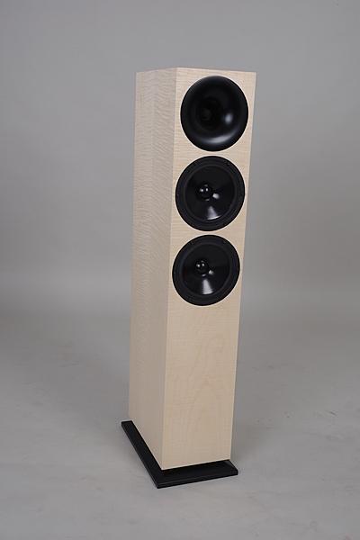 外型簡潔俐落【名展音響】德國 Odeon Audio Midas 低音反射式落地喇叭