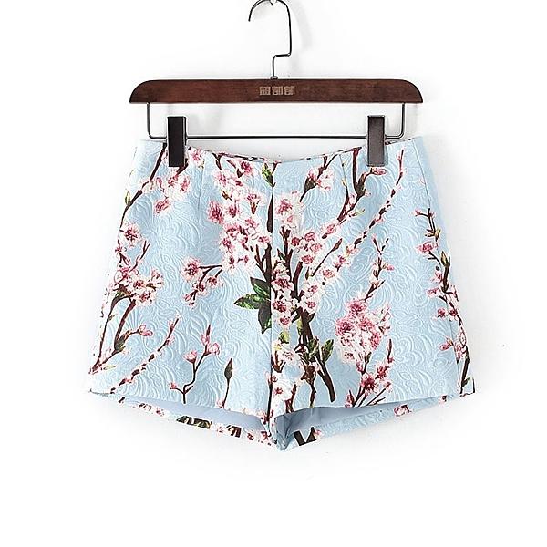 [超豐國際]麥春夏裝女裝白色韓版時尚印花短褲 44328(1入)