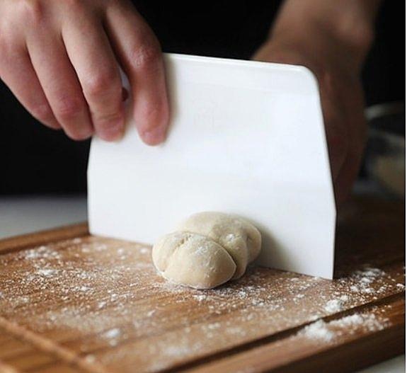 【SN4051】台灣製 三能 塑膠刮板(大) 塑料刮板 刮刀 切麵刀 奶油抹平器麵糰切 硬刮板