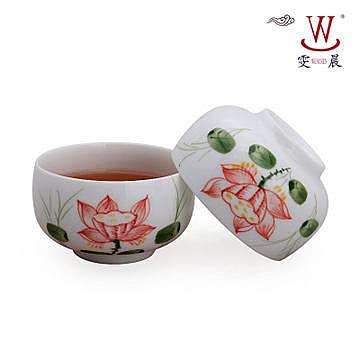 陶瓷手繪粉彩荷花蓮藕品茗杯 (單個)