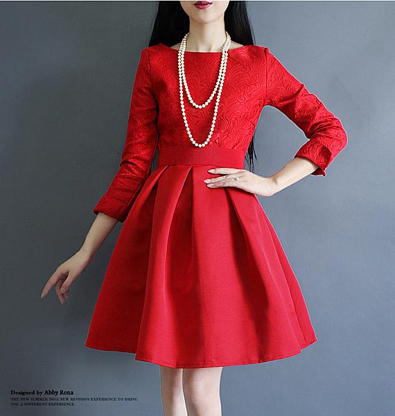 喜慶宴會相親圓領緹花縮腰蓬蓬裙長袖洋裝( 黑 紅)二色售 11752029