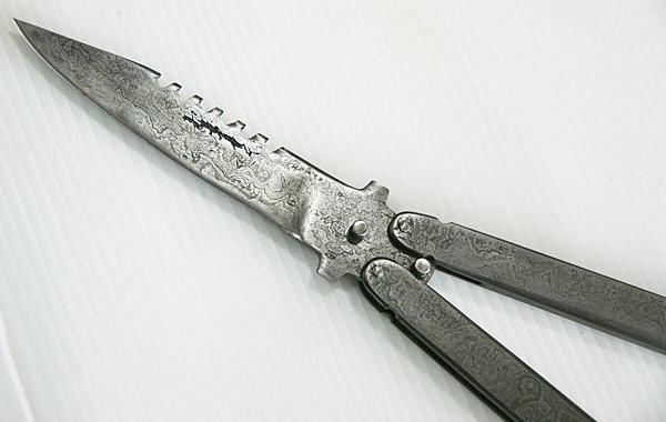 郭常喜的興達刀鋪-積層鋼手工蝴蝶刀(A0280)輕巧、造型特殊、方便攜帶