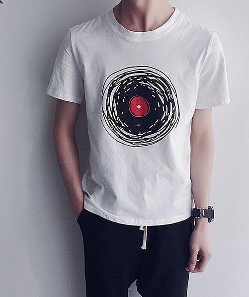 FINDSENSE MD 韓國 潮 男 時尚 休閒 卡通宇宙圖案印花 短袖T恤