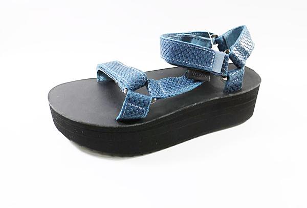 4折Teva 女款 FLATFORM UNIVERSAL  全黑厚底 藍織帶涼鞋 TV1012471BLU [陽光樂活]