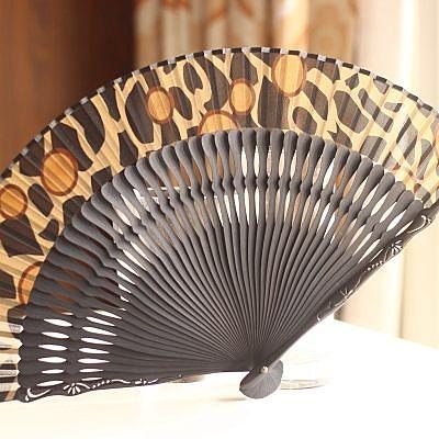 日本和風扇子 烤漆 圖騰雕刻 豹紋 藏青