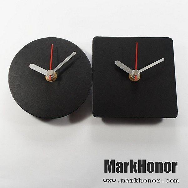 情侶 簡約風格-圓型/方型 100%真皮 皮革 對鐘 桌鐘 靜音 時鐘 黑 10公分-Mark Honor