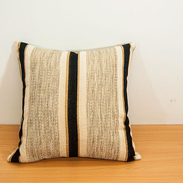 【LASSLEY】雪尼爾緹花/米白 時尚抱枕(台灣製造45cm方枕)