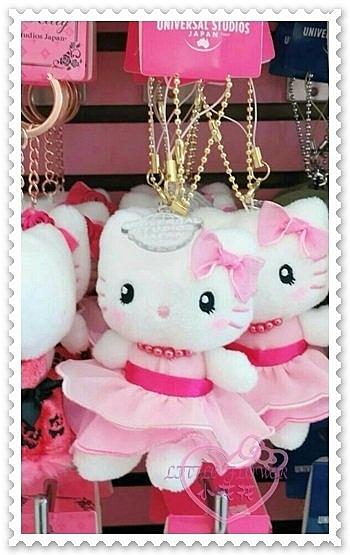 ♥小花花日本精品♥Hello Kitty 吊偶包包掛偶吊飾鑰匙圈立體坐姿洋裝系列項鍊大阪限定 90216602