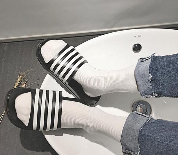 FINDSENSE品牌 男 時尚 潮 休閒 黑白條紋杠條 拖鞋 一字拖 沙滩拖鞋
