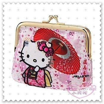 ♥小花花日本精品♥ Hello Kitty 零錢包 珠扣包 棉質 和服 站姿 傘 櫻花 日本限定 (預購)