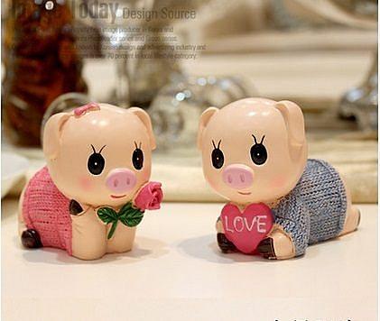 創意家居擺飾小豬樹脂娃娃(圖一)(一對) 01