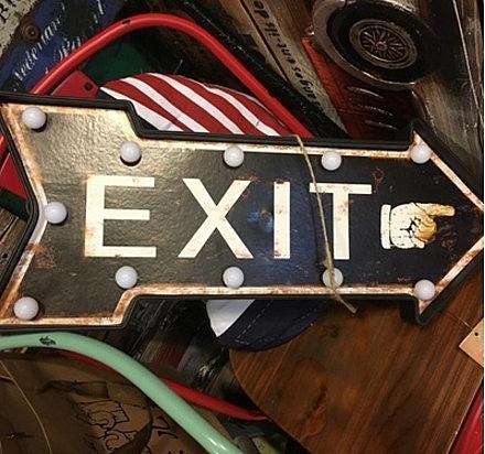 [協貿國際]美式複古創意LED剪頭燈壁飾1入