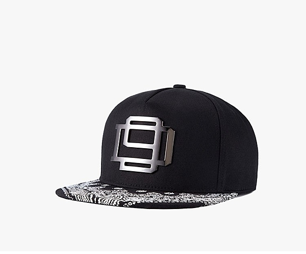 FIND 韓國品牌棒球帽 男女情侶款 街頭潮流 鐵牌金屬裝飾 嘻哈帽  街舞帽