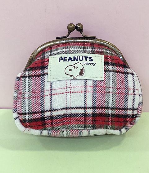 【震撼精品百貨】史奴比Peanuts Snoopy ~SNOOPY珠扣化妝包-紅白格#17423