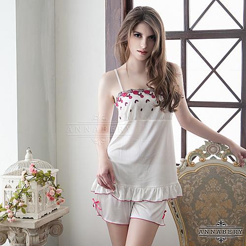 性感睡衣 大尺碼Annabery甜美刺繡奶白上衣短褲組 愛的蔓延 NY14020101