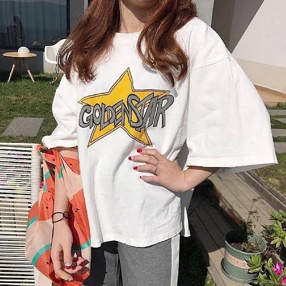 [超豐國際]夏季字母星星印花破洞短袖T恤女寬松百搭中長款上衣1入