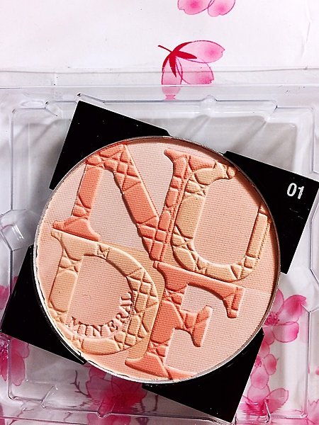 Dior迪奧輕透光礦物蜜粉餅 #01(輕吻珊瑚) 明亮潤色蜜粉  ☆全新百貨專櫃貨