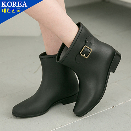 女款 韓國素面帥氣側面金屬扣環 短筒 平底 低跟 雨靴 59鞋廊