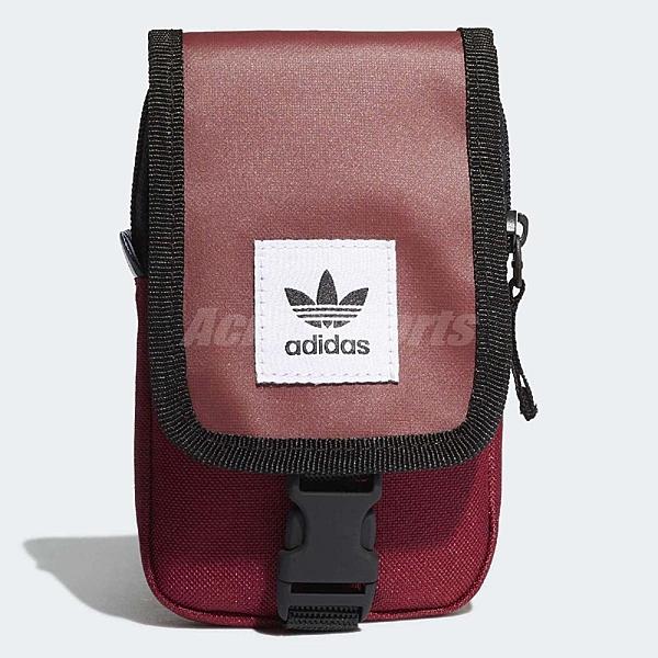 【六折特賣】adidas 側背包 Originals Map Bag 男女款 輕便 小包包 手機包 隨身包 三葉草 紅 【ACS】 DV2483