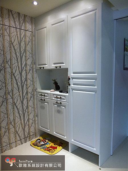 【歐雅 系統家具 】玄關鞋櫃搭配吊衣桿