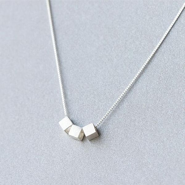 925純銀 三顆方形方糖方塊 裸銀素銀 鎖骨項鍊-銀 防抗過敏 不退色