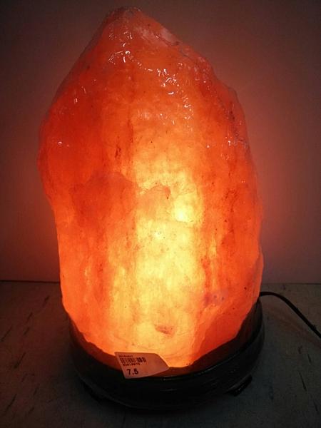 100%喜馬拉雅山鹽燈 7.5kg ~開運招財/擋煞/除濕/補充能量/溫暖家人的心 (僅此唯一)