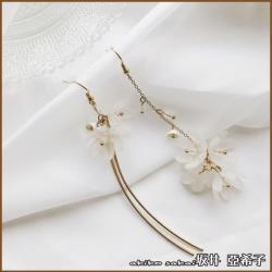 【Akiko Sakai坂井亞希子】純潔的花金屬流蘇不對稱耳環