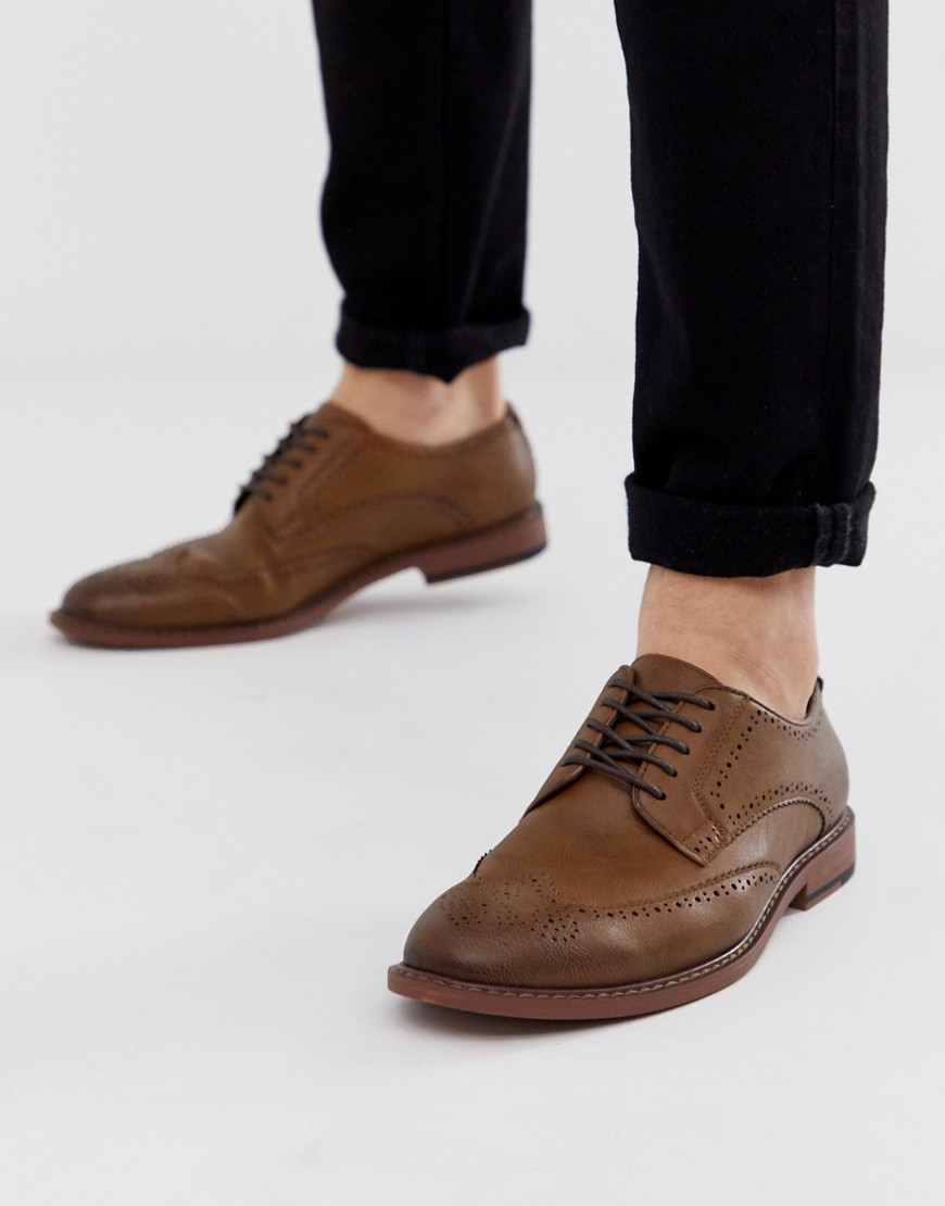 ASOS DESIGN brogue shoes in tan faux leather-Brown