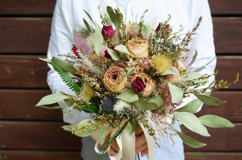 庭園玫瑰手綁捧花 不凋花 乾燥花 花束 聖誕 婚紗 新娘