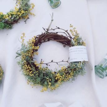 【再販】待ち遠しい春の小花ミモザのナチュラルリース