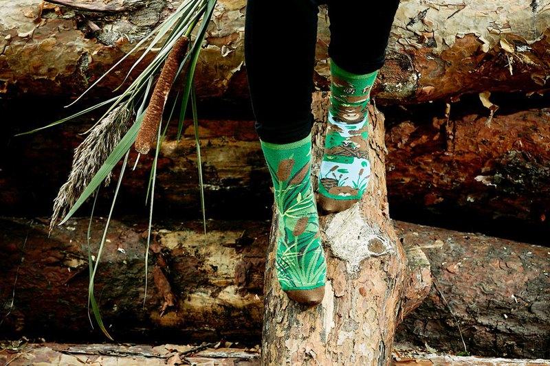 在綠野的河狸 - 不對稱襪子 鴛鴦襪