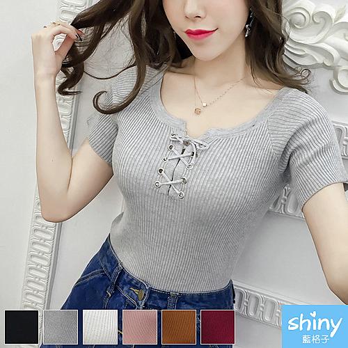 【V2282】shiny藍格子-無印春甜.純色胸前綁帶針織短袖上衣