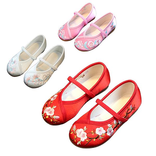 女童中國風繡花鞋 繡花鞋 旗袍搭配 表演 抓週 橘魔法 女童 古裝 攝影 大紅 新年 過年 拜年 現貨