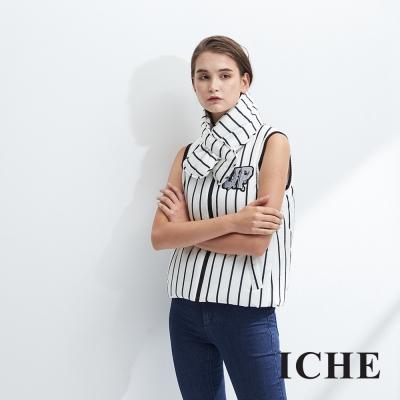 ICHE衣哲 領巾可拆 羊毛條紋字母印花造型背心-白(兩色)-動態show