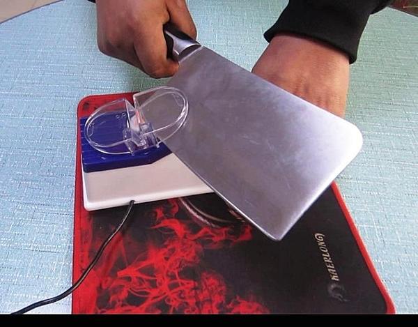 家用自動磨刀機小型電動磨刀石磨刀器自動磨刀神器多功能快速磨刀 MKS 卡洛琳
