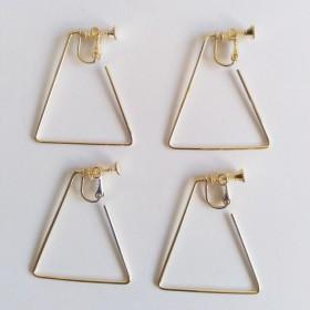 韓国製 イヤリング金具 トライアングル ゴールド 4個セット