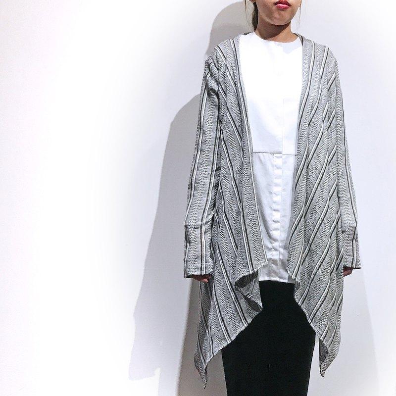 藍白條紋針織編織開襟衫 - 室內空調穿搭