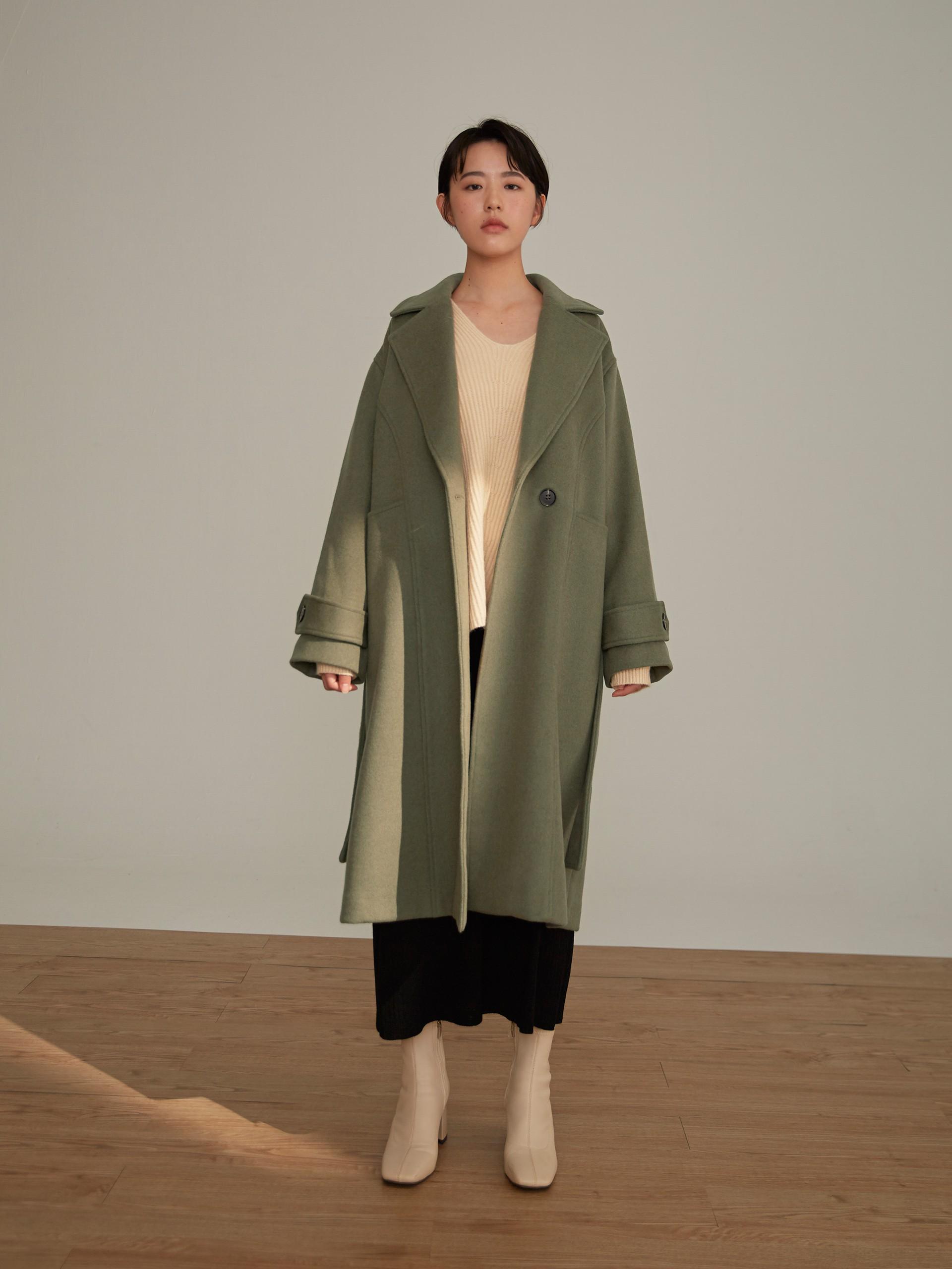 羊毛厚磅口袋剪接大衣(附腰帶)-mouggan