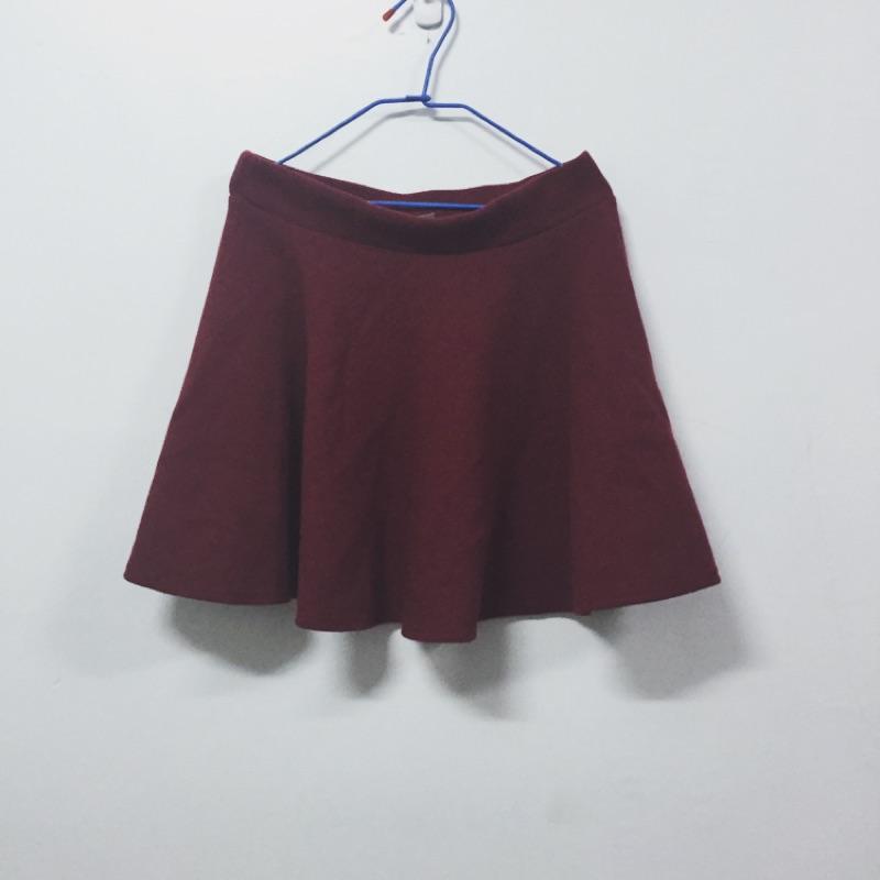 (全新)酒紅棉質傘狀短裙-F