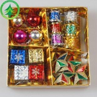 (花花手作材料)聖誕節装飾迷你小物//掛飾//聖誕球五角星掛飾禮物盒18件60元