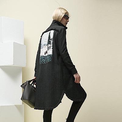ICHE衣哲 設計款時尚印花亮片流蘇長版造型大衣外套-深灰