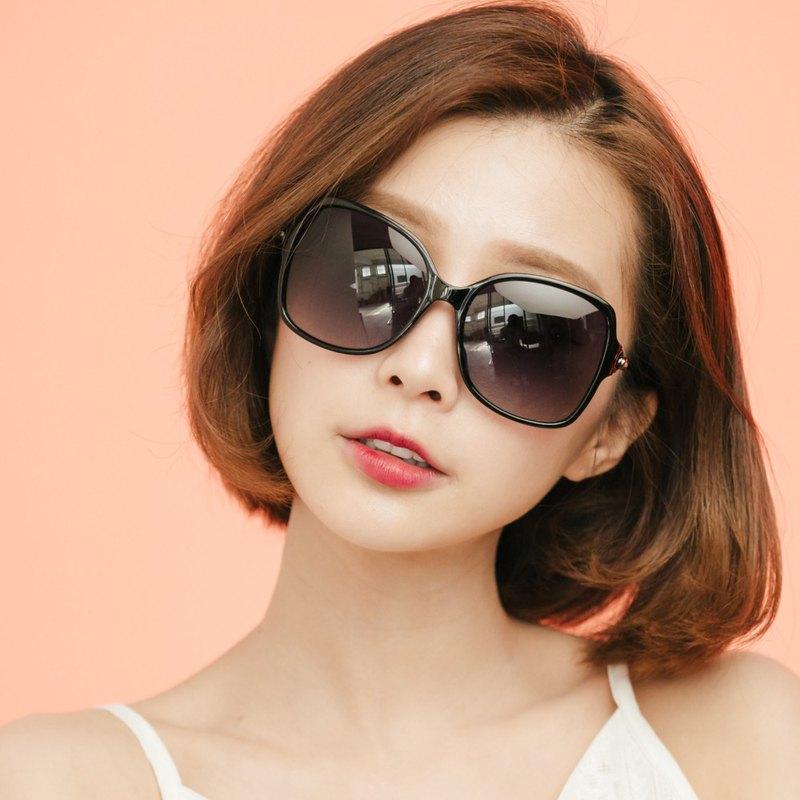 赫拉的金色權杖│精緻鏤空金屬設計純黑偏光墨鏡│UV400太陽眼鏡