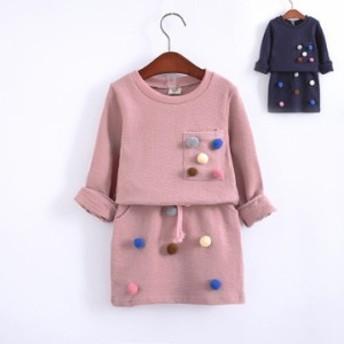 国境を越えてもっぱら春秋の女の子の韓国版のおじけづくボールのファッション的な長袖の衛衣のスカートのスーツの2つのセットの子供服を