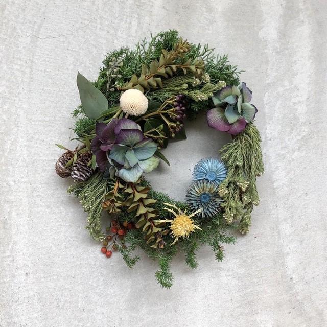 青色のクリスマスの森のリース ︎
