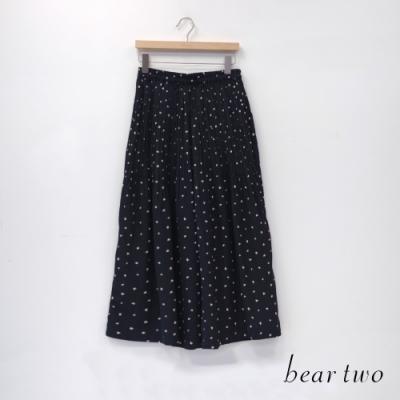 bear two- 點點百摺飄逸寬褲 - 黑