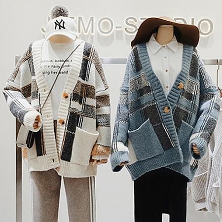 復古大V領格紋混羊毛針織外套 文藝拼接毛衣外套開衫 女毛衣針織衫 2色【KN71262】