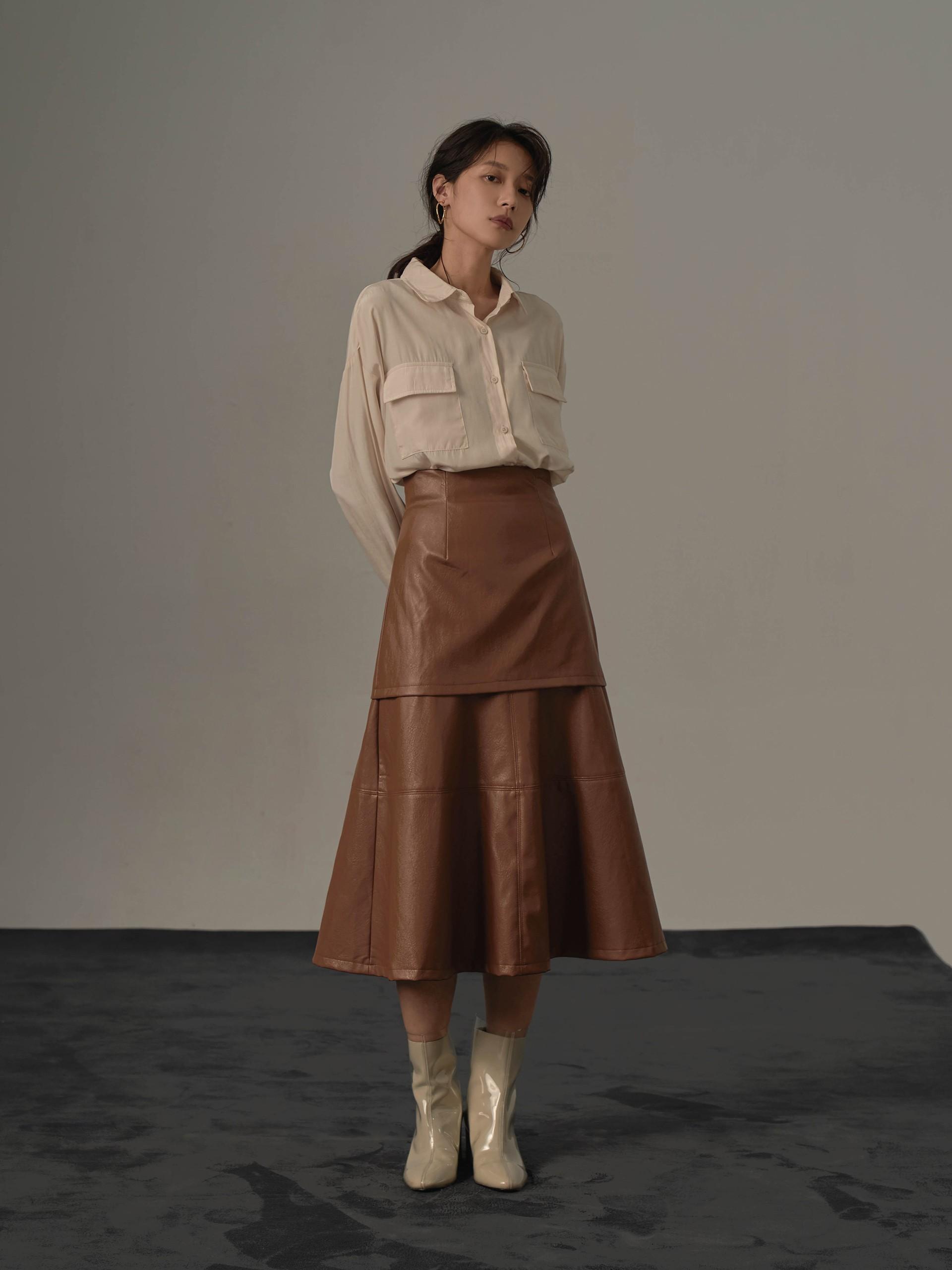 兩層剪接質感皮裙-mouggan